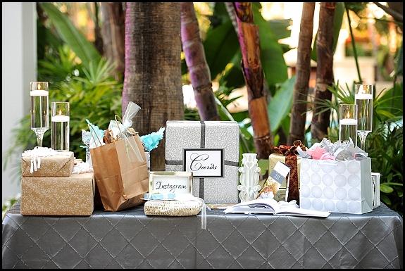 gift table island hotel weddings