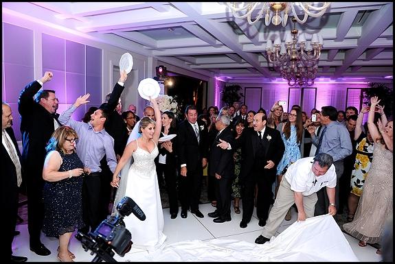 greek zorba dance plate breaking