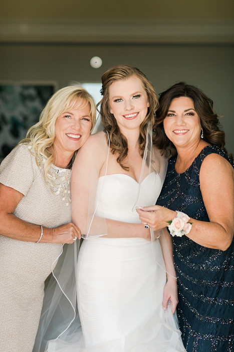 bride with moms